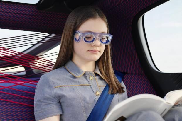 Evita marearte en el coche con estas gafas especiales de Citroën