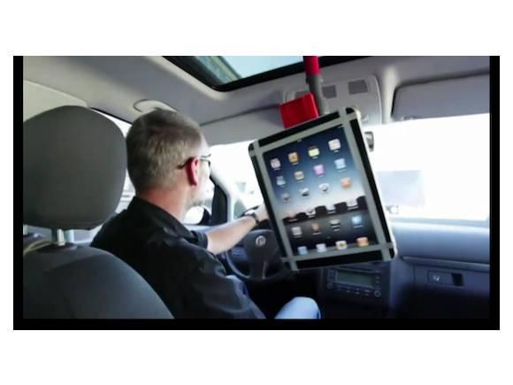 Vídeo: Miles de formas de sujetar tu iPhone/iPad según BMW
