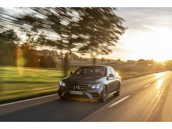 Nuevo híbrido enchufable Mercedes: Clase E 300 e