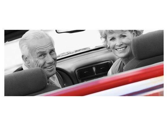 ¿Existe un límite de edad para conducir?
