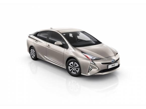 Toyota Auris y Prius 2018: mejoras en equipamiento