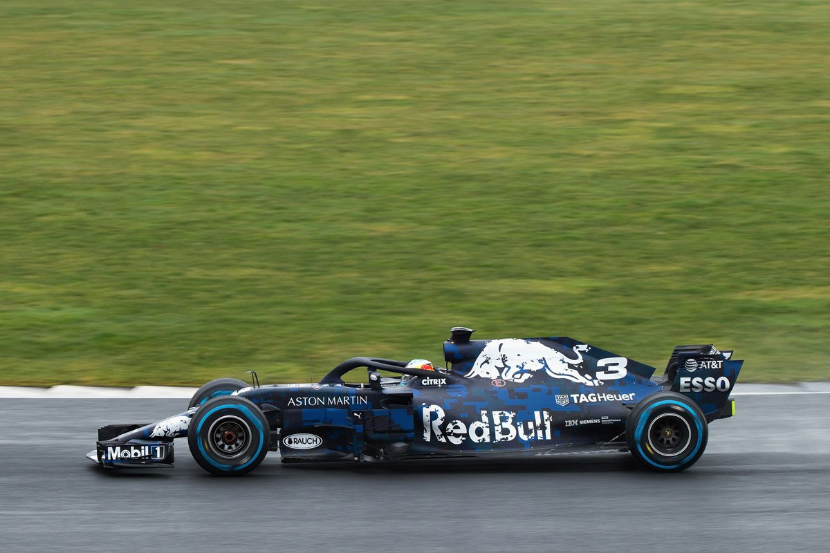 Formula 1 Aston Martin Red Bull Ya Rueda Con Su Rb14