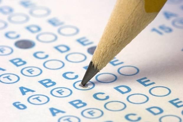 Haz los test para aprobar el examen de conducir en la web de la DGT