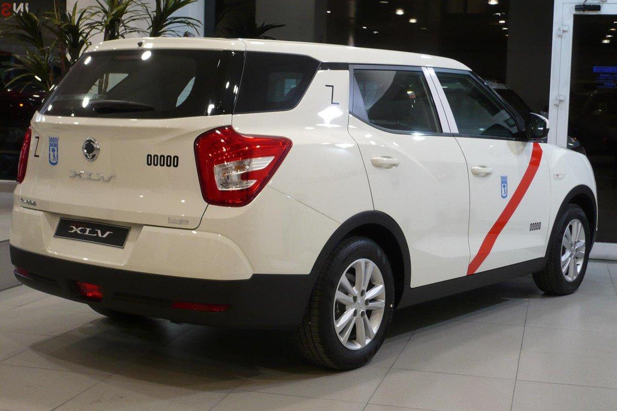 Ssangyong XLV taxi