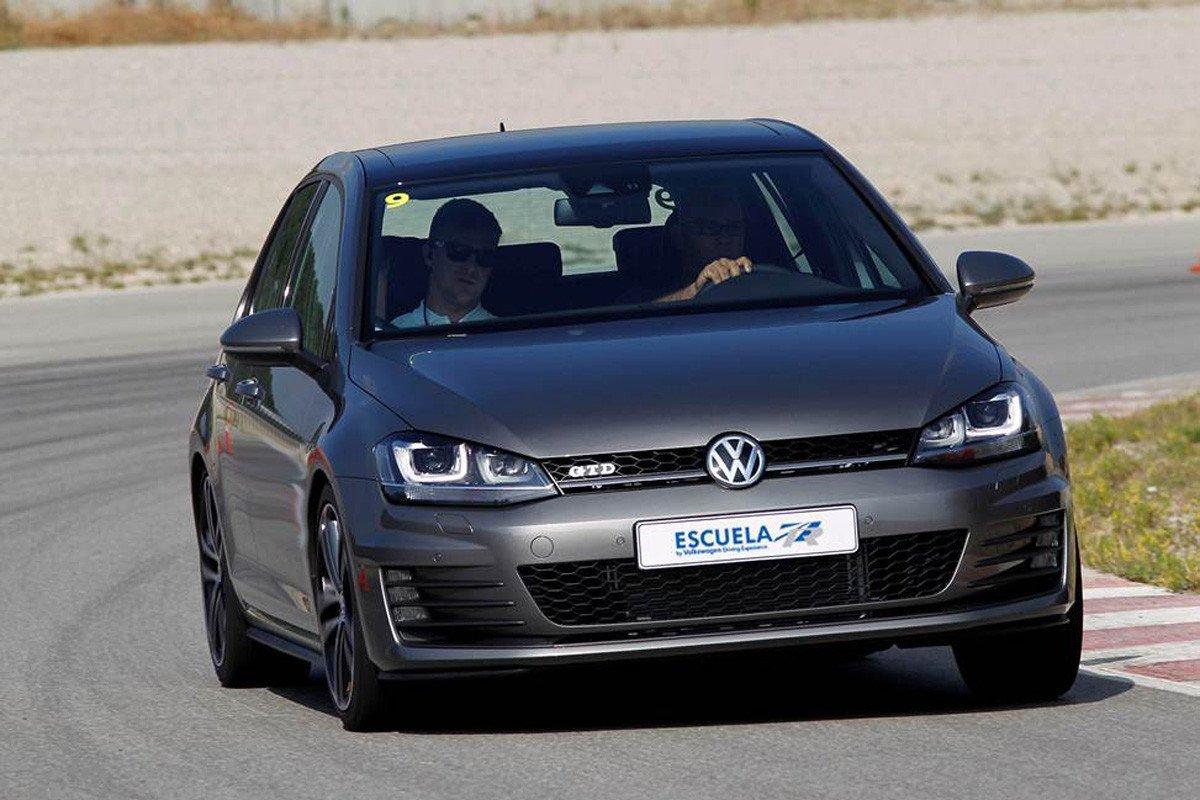 Volkswagen Golf GTD Escuela R