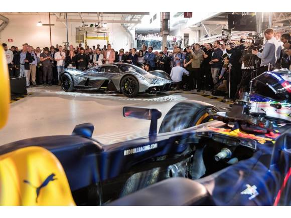 Aston Martin y Red Bull lanzan el superdeportivo AM-RB 001