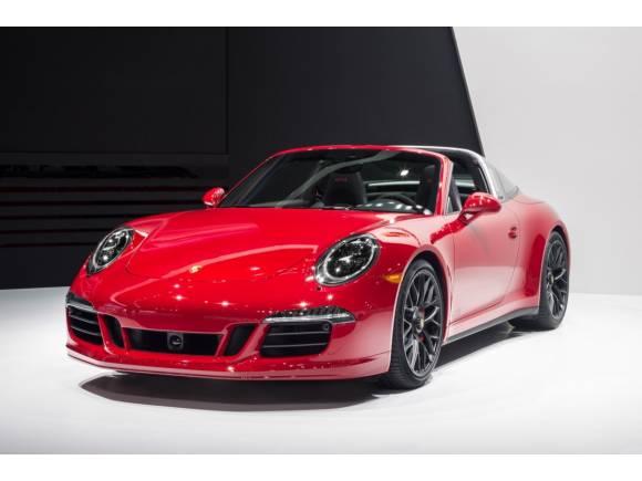 Porsche en el Salón de Detroit 2015,  911 Targa 4 GTS y Cayenne Turbo S