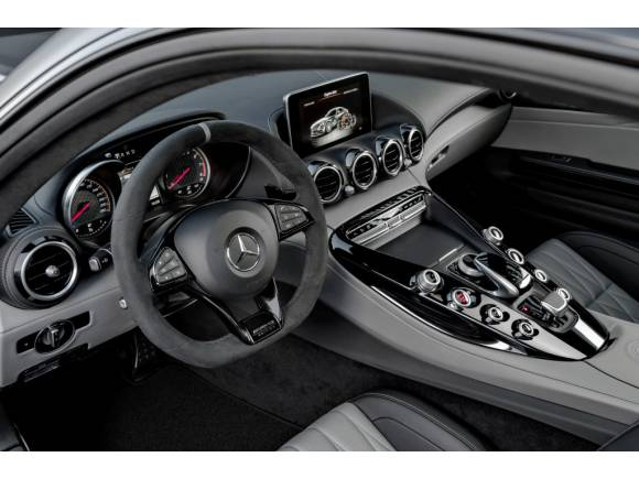 Mercedes-AMG GT Coupé 2017 actualizado con más versiones