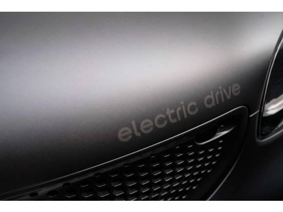 El smart fortwo electric edición especial Pull&Bear ya está a la venta