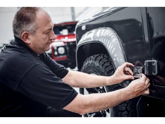 Land Rover ofrece kits de preparación para el Defender clásico