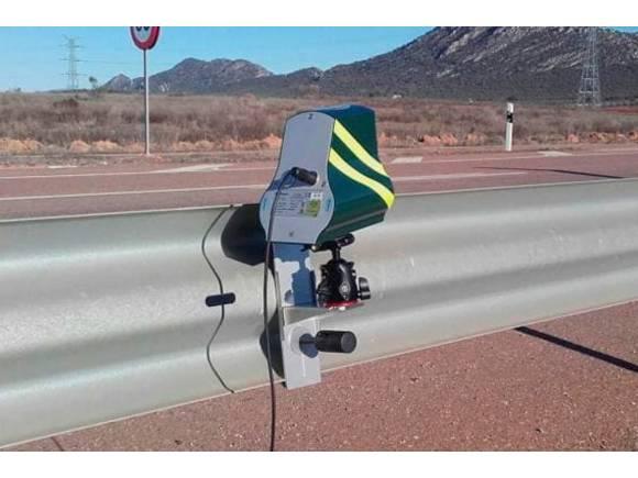 La DGT instala un dispositivo especial para cazar excesos de velocidad