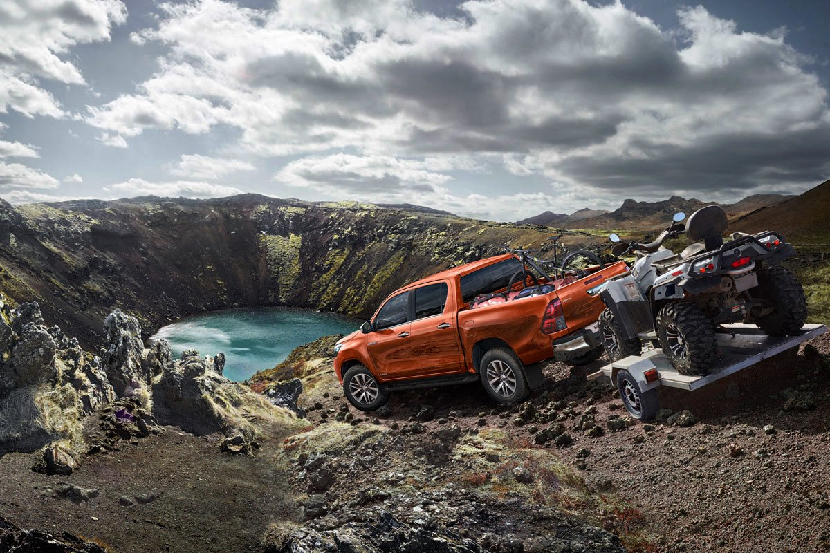 Toyota presenta la Hilux Legend, una versión más llamativa y agresiva