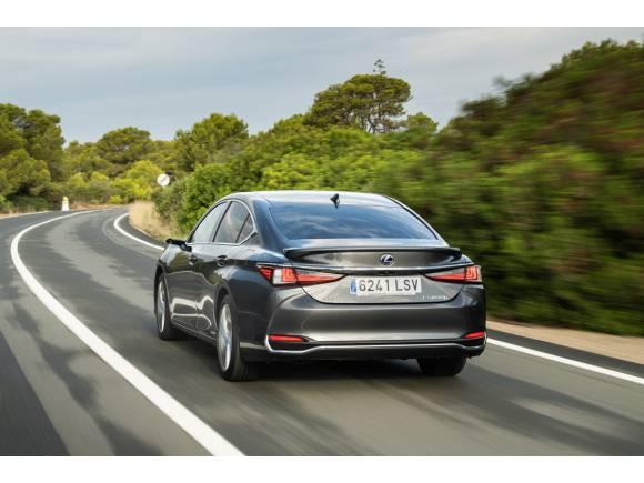 Prueba del nuevo Lexus ES: cómo va, opinión y precios