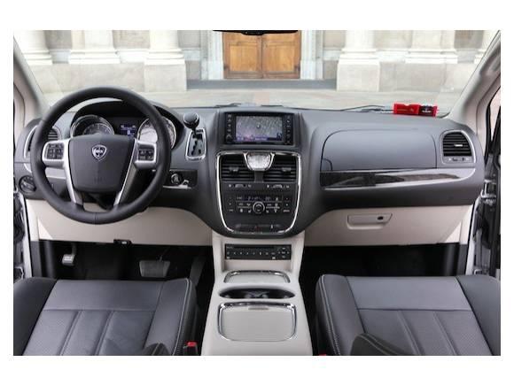 Prueba: Lancia Thema y Lancia Voyager