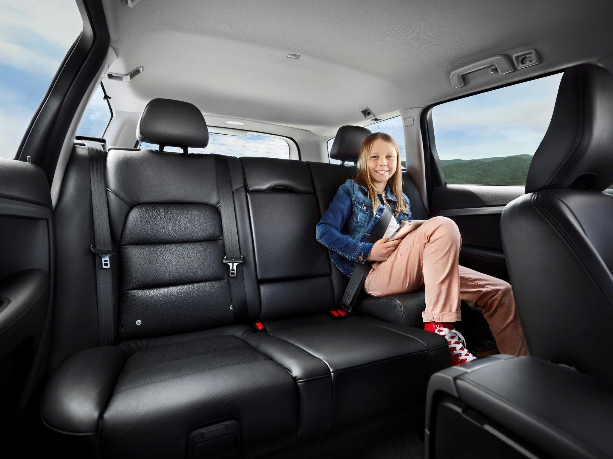Volvo celebra el 25 aniversario de su asiento infantil for Asientos infantiles coche
