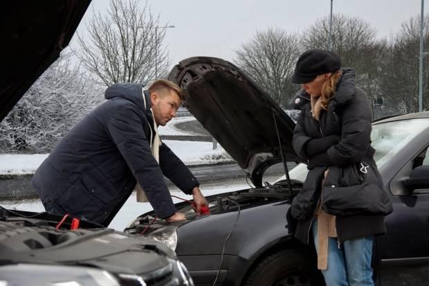 5 claves para saber qué hacer si te quedas sin batería en el coche