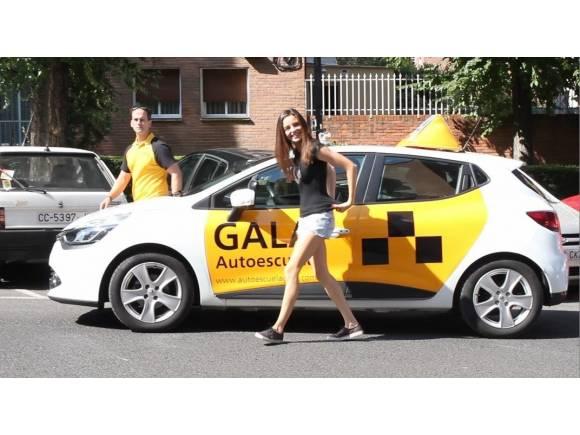¿Qué sistemas de ayuda a la conducción se pueden usar en el examen de conducir?