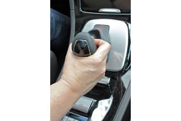 ¿Son más seguros los coches con cambio automático?