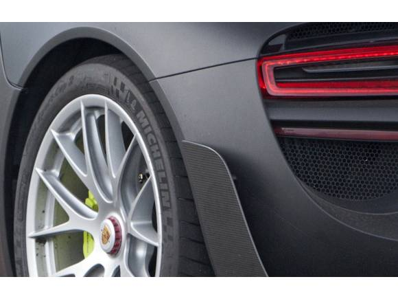 El Porsche 918 Spyder se descubre en Goodwood