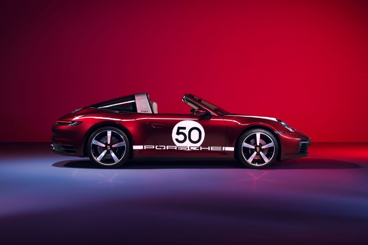 Porsche 911 Targa Heritage Design EditionPorsche 911 Targa Heritage Design Edition