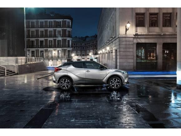 El Prius plug-in hybrid, la gran atracción de Toyota en el Salón de París