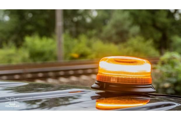 Las luces V-16 o balizas luminosas para el coche, obligatorias en 2021