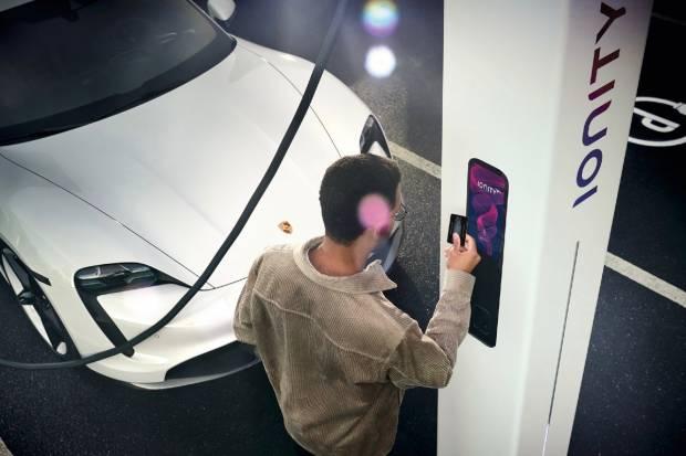 Porsche Taycan: así carga y gestiona la batería