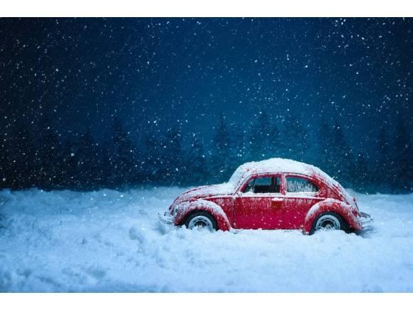 Frío polar, hielo y nieve: consejos de conducción para conducir seguro