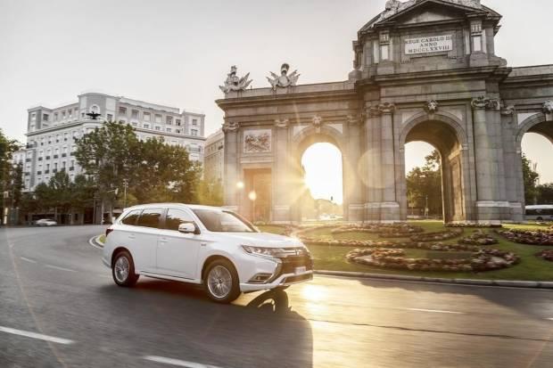 Los coches SIN ETIQUETA de la DGT pueden entrar en Madrid hasta 2025