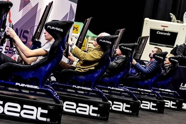 ¿Cuánto cuesta montarse un simulador de carreras simracing en casa?