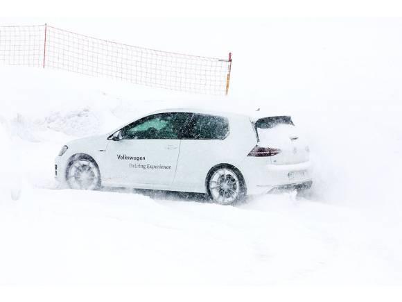 Nuevo Volkswagen Golf R: Prueba sobre hielo