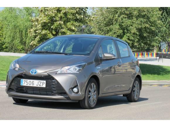 Prueba Toyota Yaris ¿híbrido o mejor gasolina?