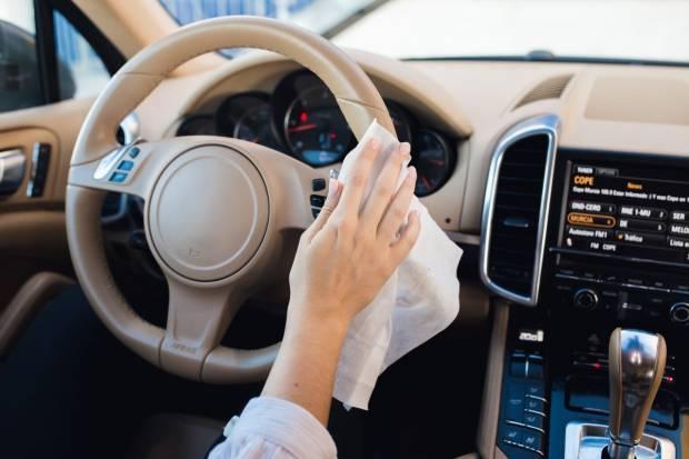 ¡Coronavirus fuera! Expertos nos explican cómo desinfectar el coche