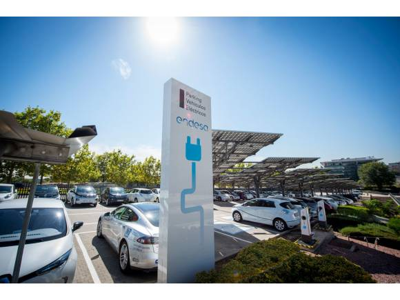 Endesa pone en marcha la II edición de la Vuelta a España en coche eléctrico