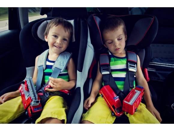 Seguridad infantil: cómo llevar a los niños en el coche