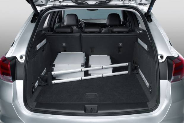 Pruebas astra K Sports Tourer (auto 10, Motorpasion y coches.net) Opel-astra-sports-tourer_fm_84420