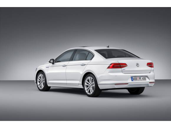 Nuevo Volkswagen Passat GTE: híbrido enchufable y deportivo