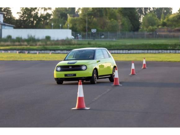 El Honda e promete buenas sensaciones al volante