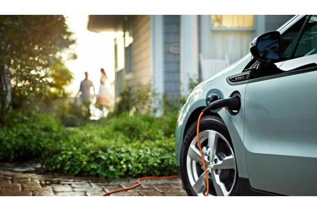 ¿Se pueden regenerar las baterías de los coches híbridos y eléctricos?