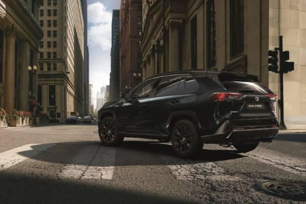 Toyota RAV4 híbrido 2021 'Black Edition': el batmovil japonés