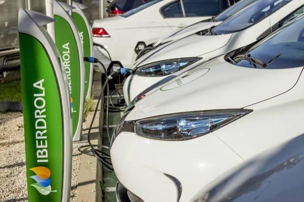 Iberdrola y AVIA instalarán 500 puntos de carga en España y Portugal