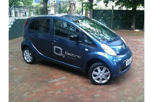 Prueba: Peugeot iOn disponible a partir de diciembre 2010
