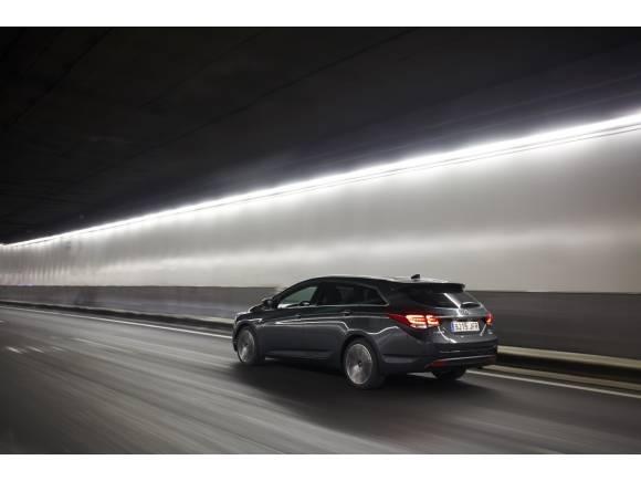 Nuevo Hyundai i40 Sedan y CW 2016: mejorando lo presente