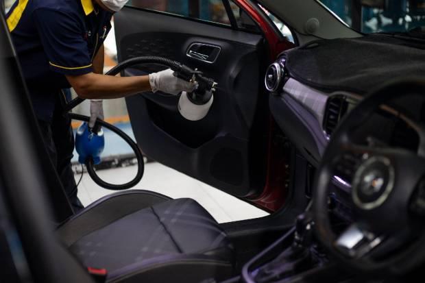 Cuánto dura el Covid-19 en la tapicería del coche y cómo eliminarlo