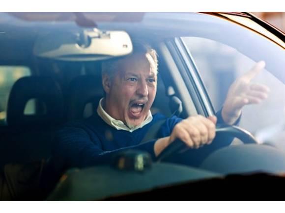 7 Consejos para evitar discusiones de tráfico y enfrentamientos