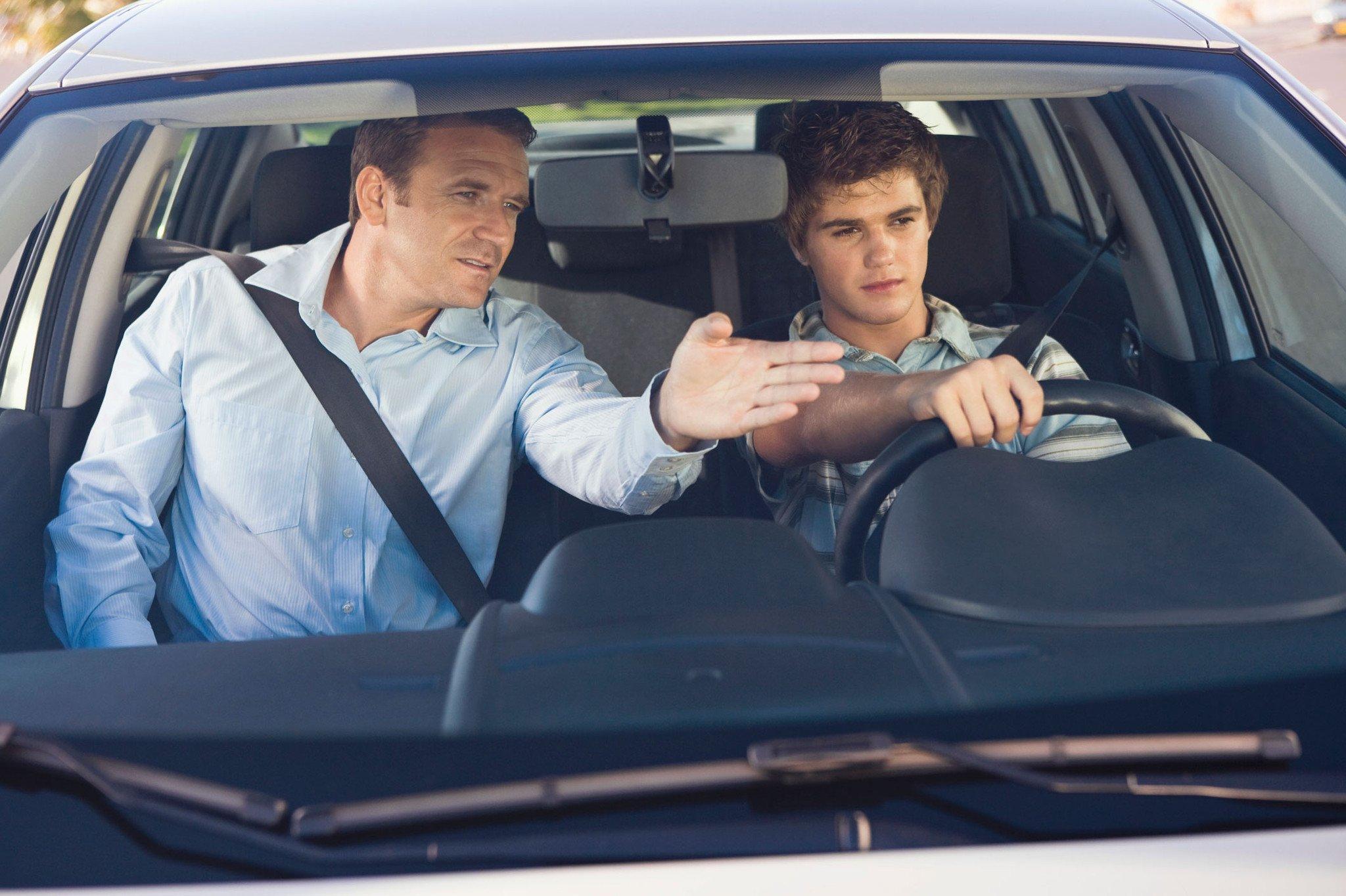 Resultado de imagen de chico para examen de conducir
