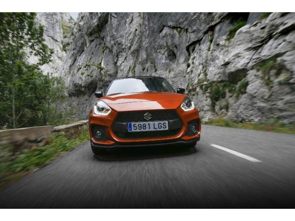 Prueba Suzuki Swift Sport Hybrid 2020: opinión, precio, datos...