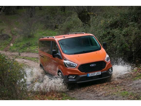 Nuevo Ford Tourneo Custom Active EcoBlue Hybrid: datos, precio, opinión...