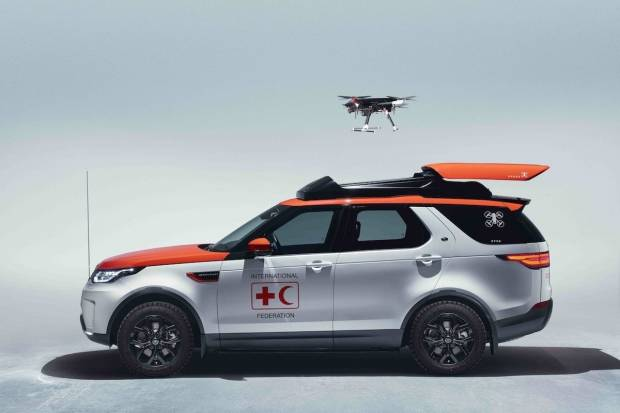 Land Rover Discovery Project Hero con dron incluido