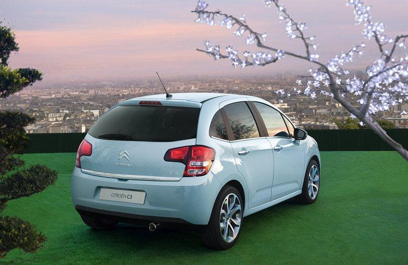 El color azul es por así decirlo el color corporativo de Citroën para este coche